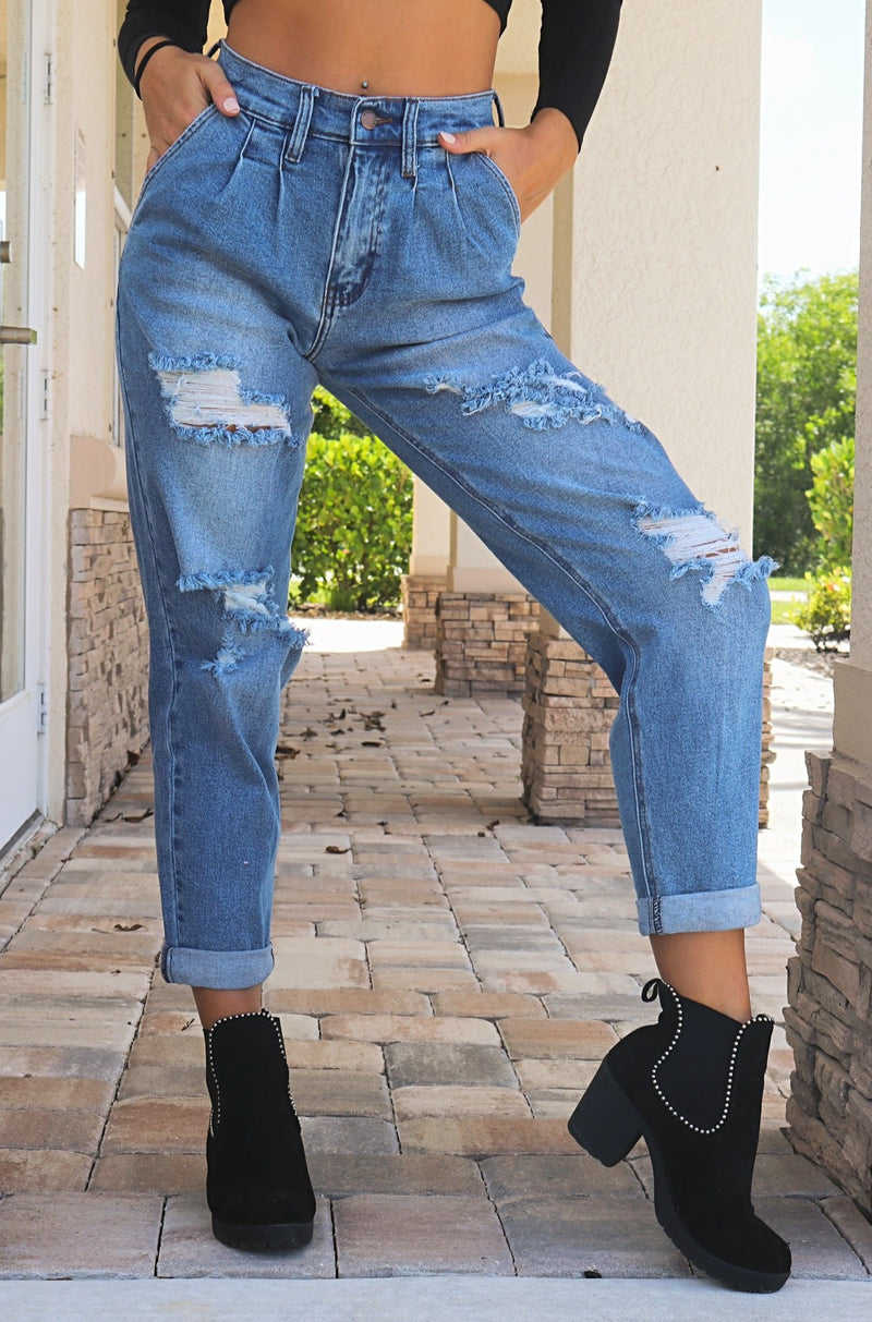 Moving On Boyfriend Jeans