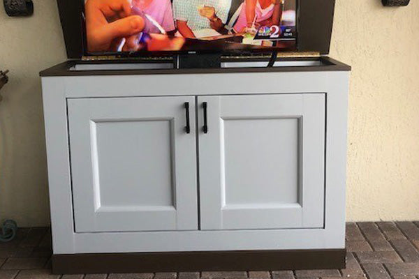 Customer Henry's custom built tv lift cabinet using Jon Peters building plans