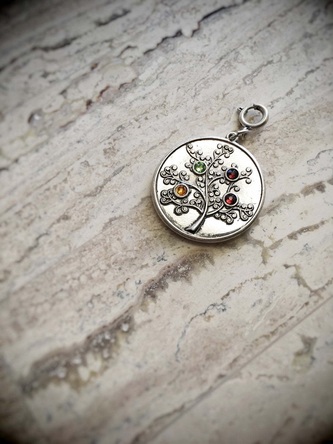 Family Tree Pendant (7 STONES)
