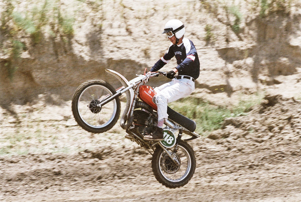 micah davis at hell on wheels mx vintage race at lake elsinore