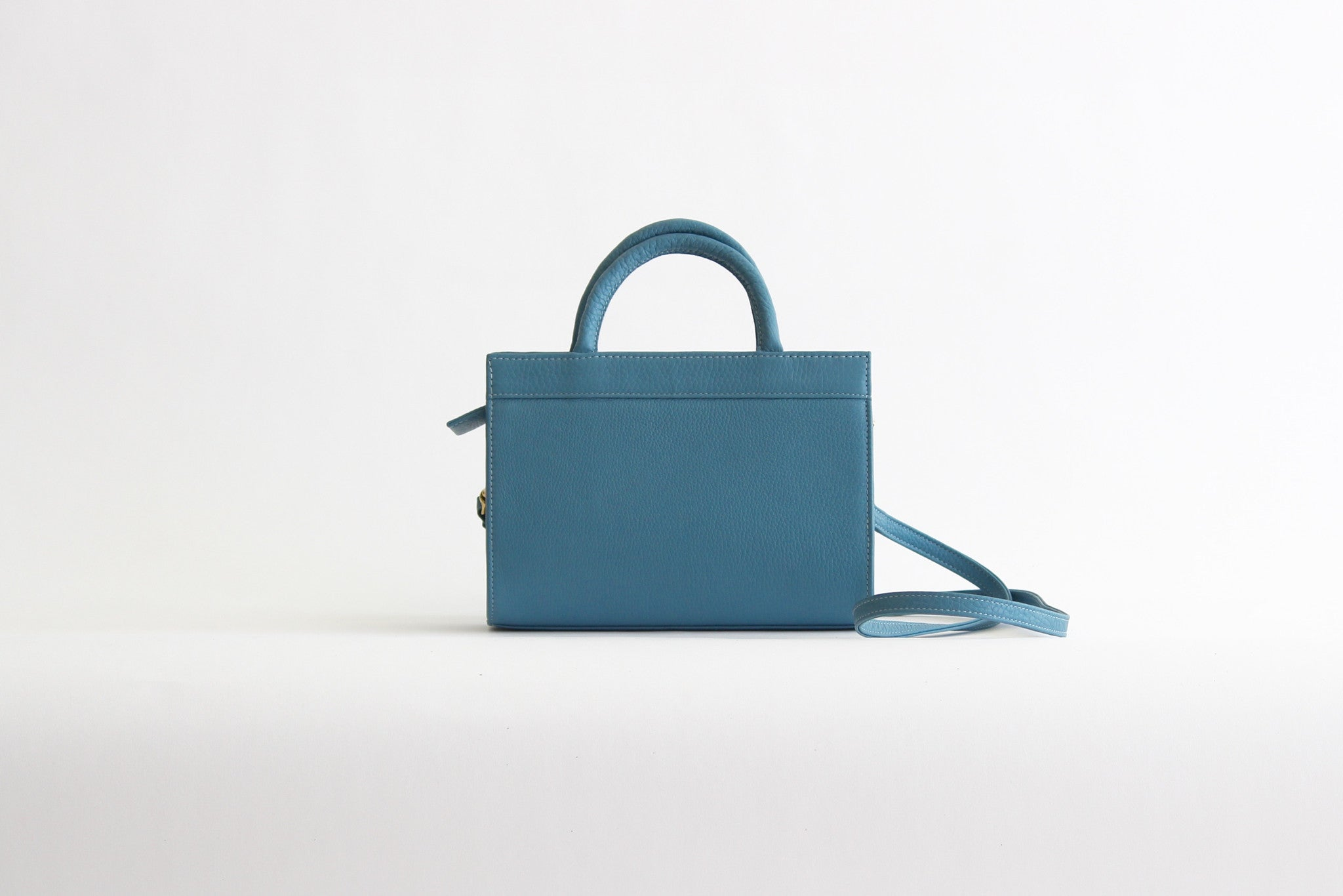 c.a.b. collection mini jeanne cerulean blue leather bag purse