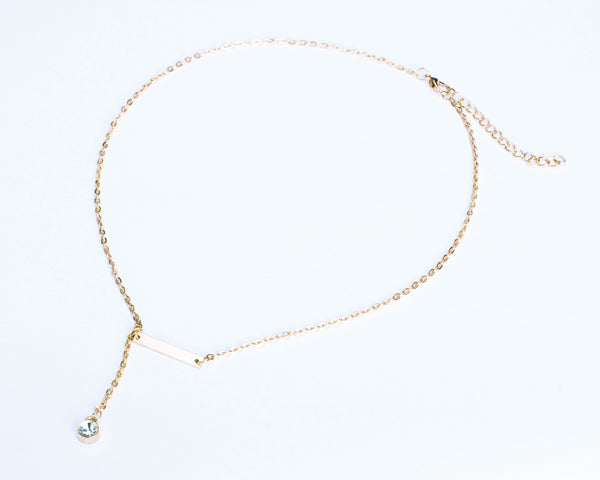 Delicate Gold Necklace with Rhinestone