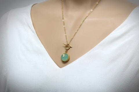 Aqua chalcedony T Necklace