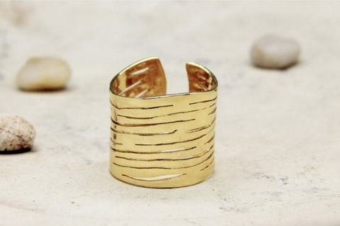 Adjustable zebra ring