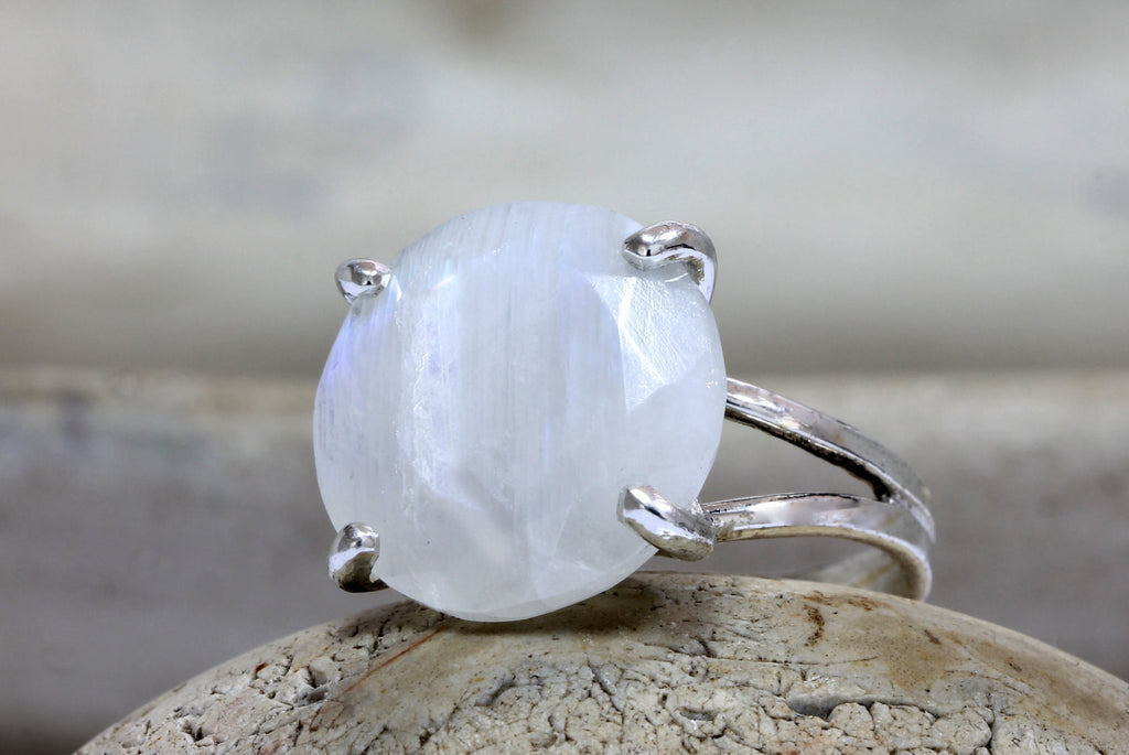 14k gold moonstone ring