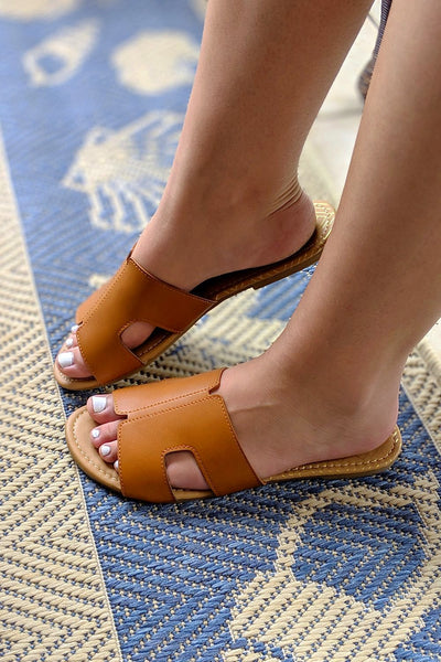 The Ashley Flat Sandal - Cognac