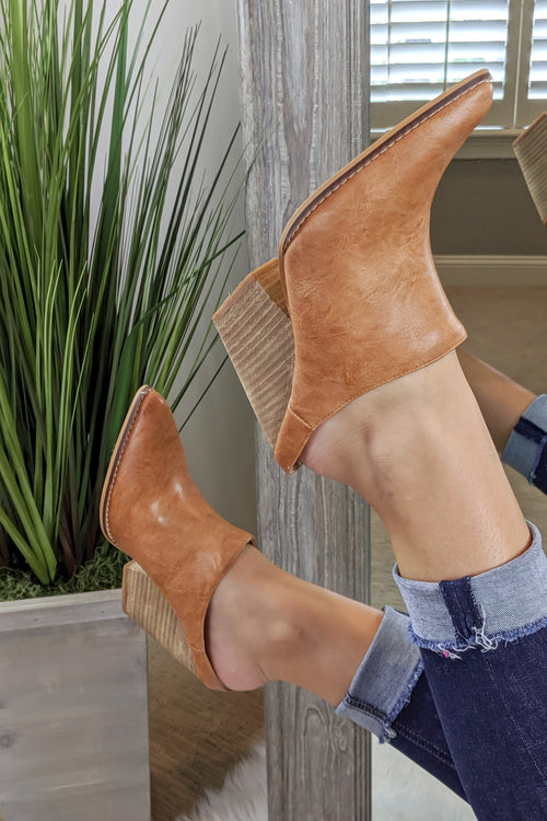 The Sam Block Heel Mules - Tan