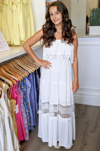 Your Sweet Love Lace Maxi - White