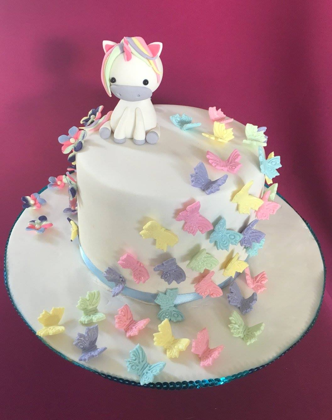 Cute unicorn cake