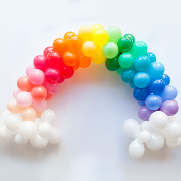 Balloon rainbow for a unicorn party