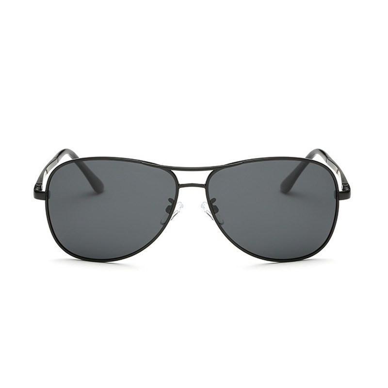Alex in Black Sunglasses Aviators - GETSUNNIES CANADA