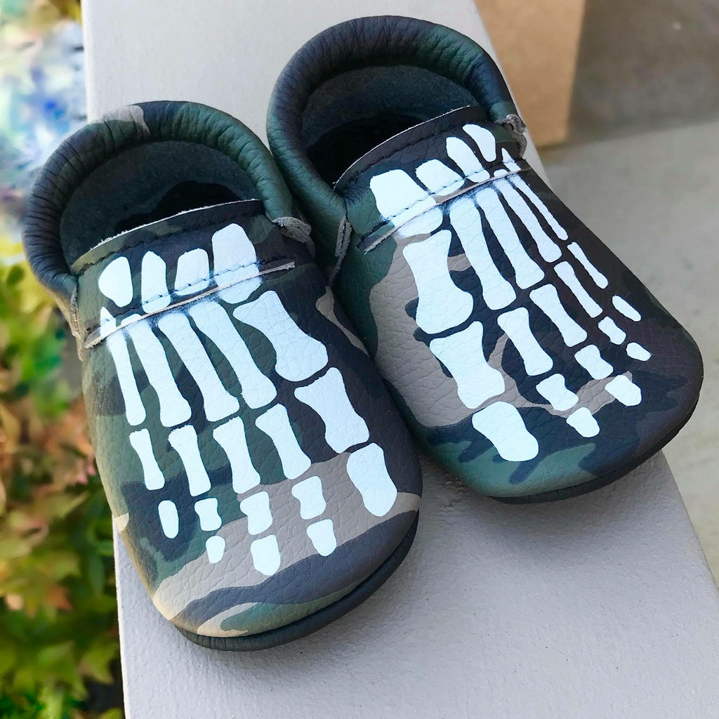 Camo Painted Skeleton Feet