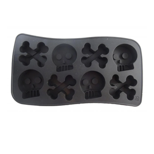 Dope Molds Skull and Cross Bones Gummy Tray - GrowDaddy