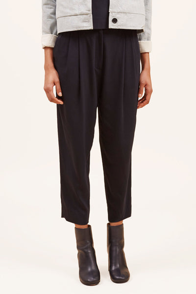 Cropped Pleated Trouser – Midnight