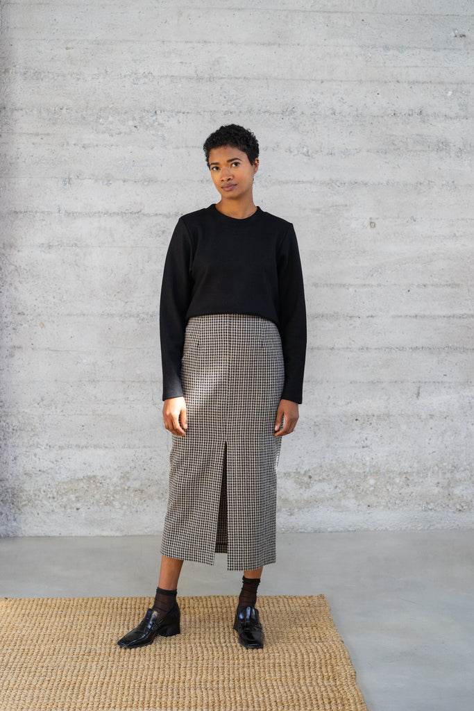 High-Waisted Long Skirt in Checked Wool