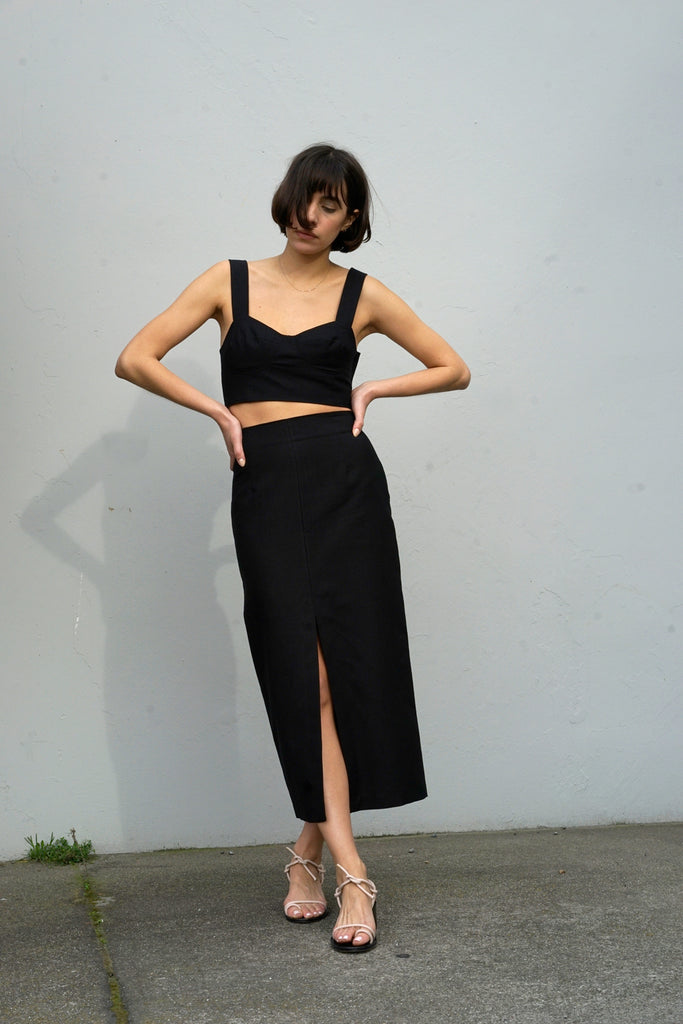 High-Waisted Long Skirt in Black Linen