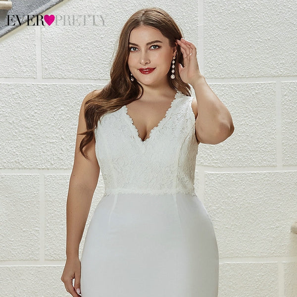 Plus Size Lace Ruched V-Neck Sleeveless Sweep Train Elegant Bride Gown Wedding Dresses