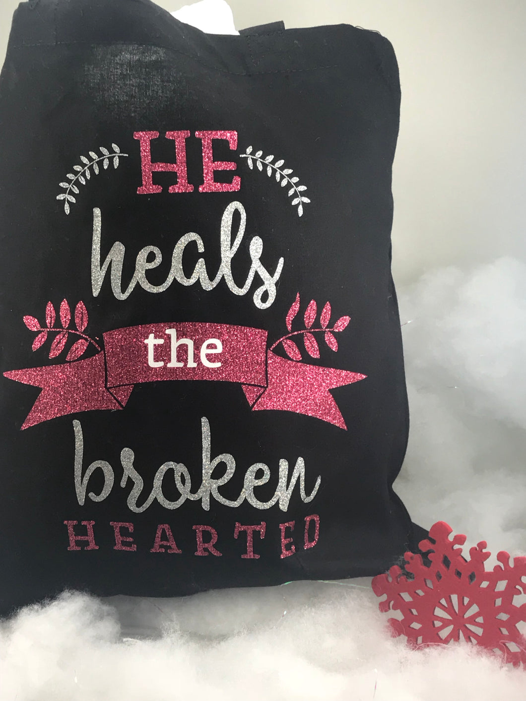 He Heals The Broken Hearted/ Tote Bag