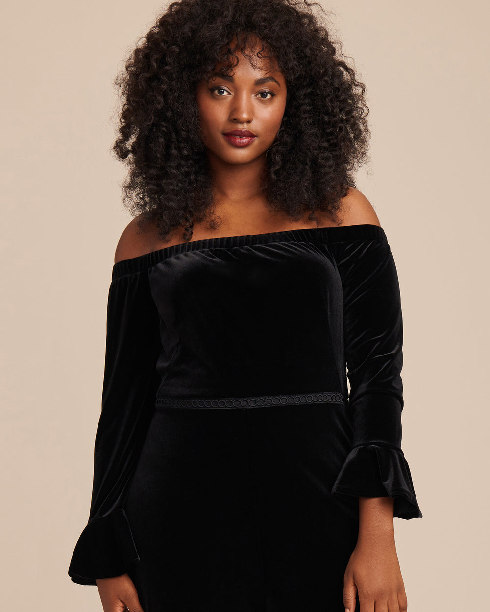 Ml Monique Lhuillier Black Stretch Velvet Off Shoulder Jumpsuit 11