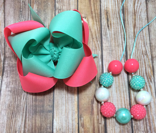 Neon pink and mint