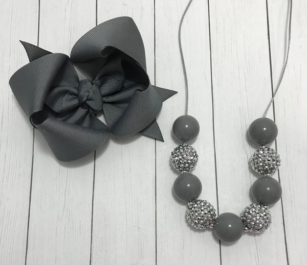 Gray bow & necklace set