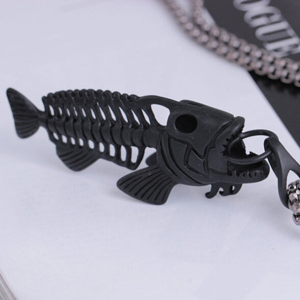 A necklace shaped like a fish ,Amazing