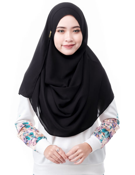 Mariqa Basic in Black by Thiirty8. The Reversible Instant Shawl. Made of Korean Crepe.