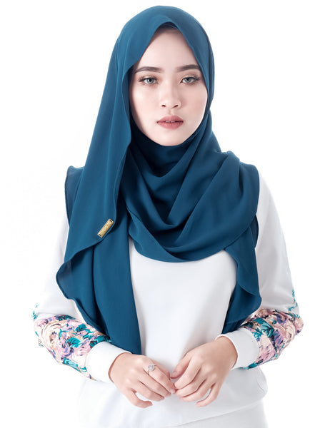 Dshawl in Caribbean by Thiirty8. Pinless Full Instant Shawl. Made of Bubble Chiffon.