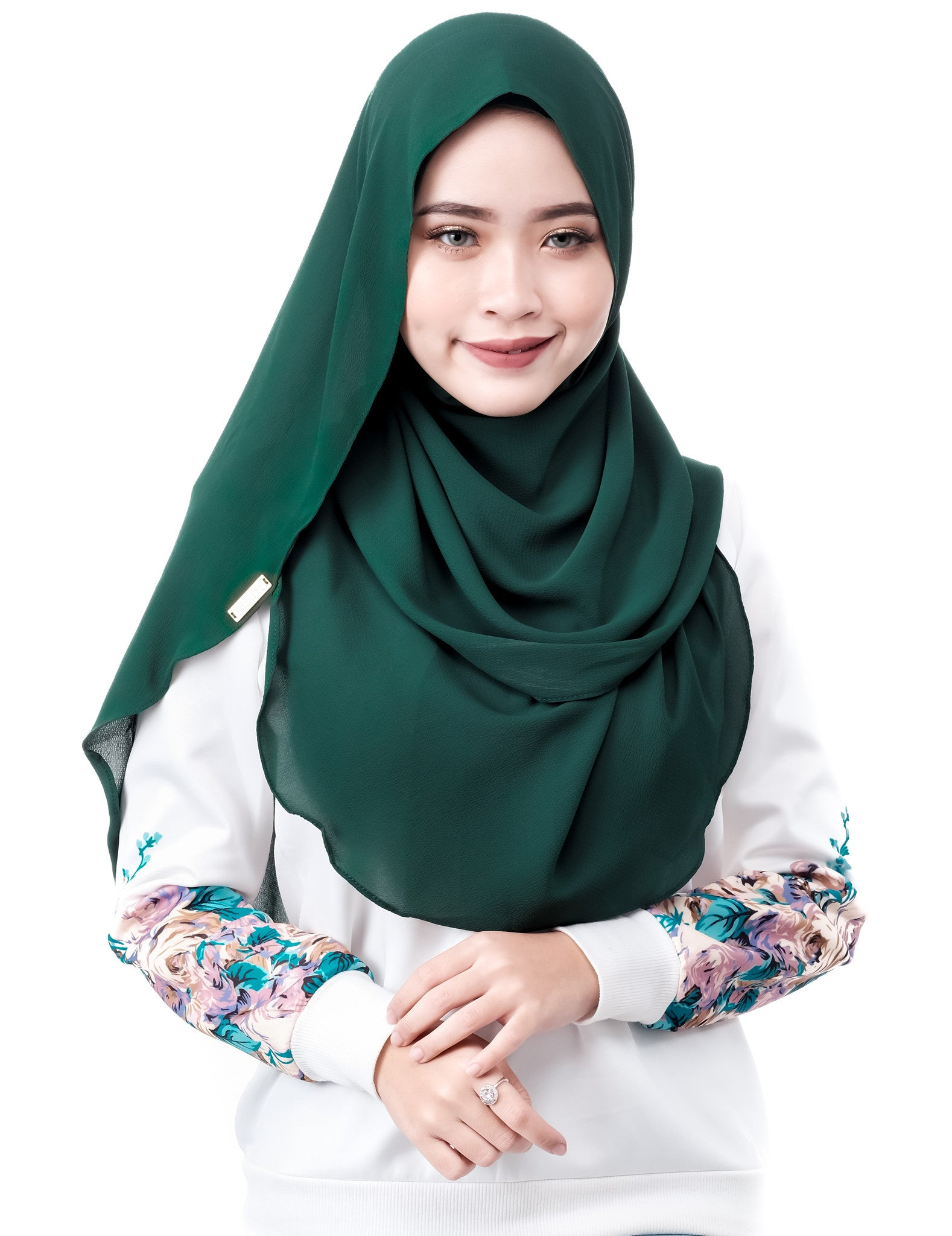 Dshawl in Emerald by Thiirty8. Pinless Full Instant Shawl. Made of Bubble Chiffon.