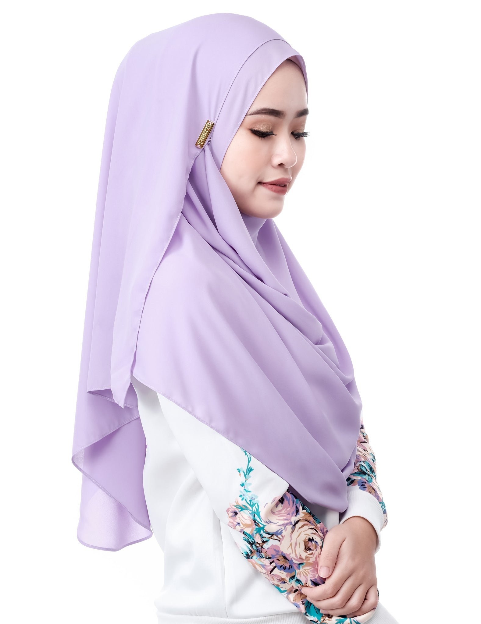 Mariqa Basic in Lavender by Thiirty8. The Reversible Instant Shawl. Made of Korean Crepe.