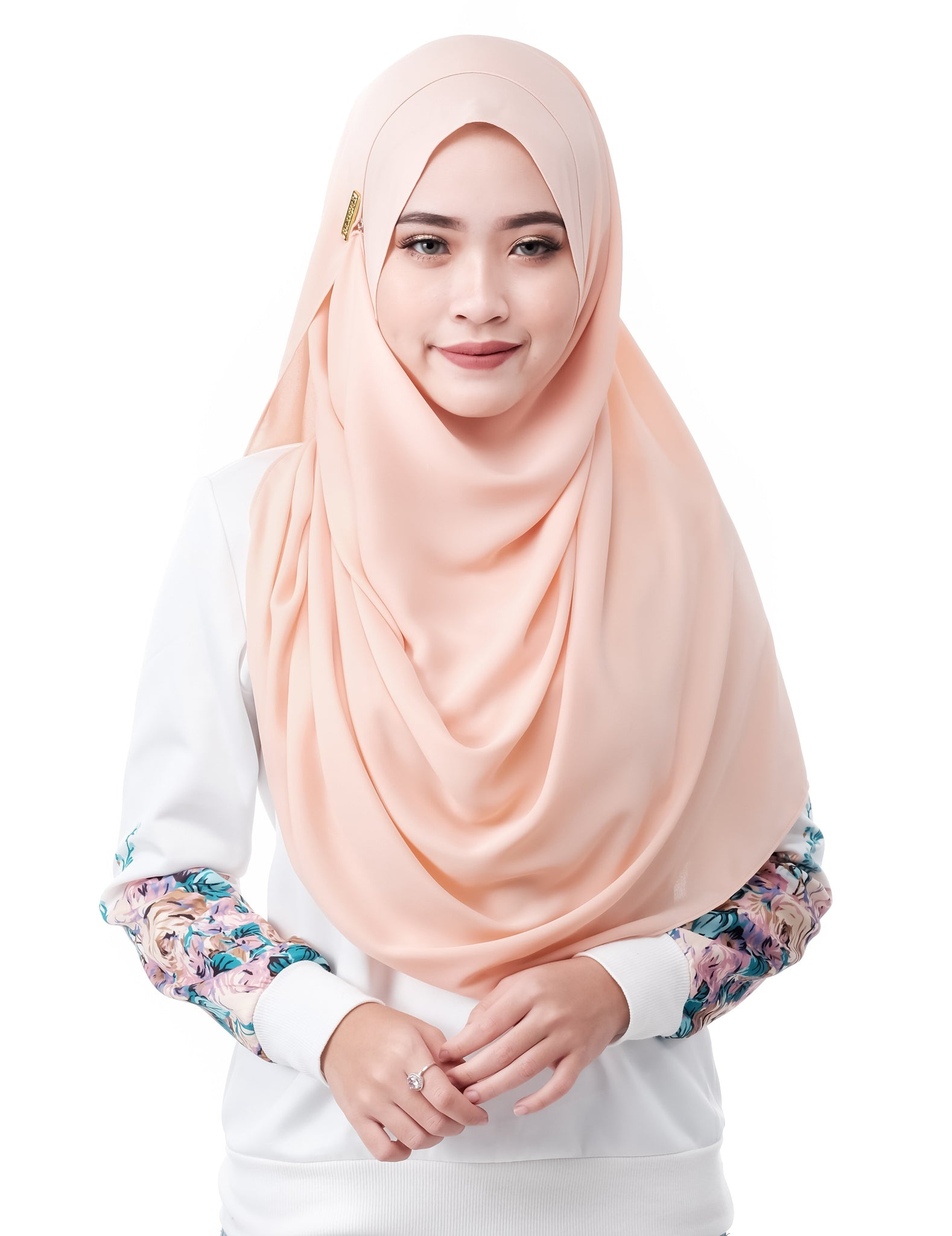 Mariqa Basic in Peach by Thiirty8. The Reversible Instant Shawl. Made of Korean Crepe.