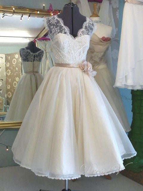 Tea Length Antique Wedding Dress 1950's Vintage Wedding Dress Retro Wedding Dress WS043