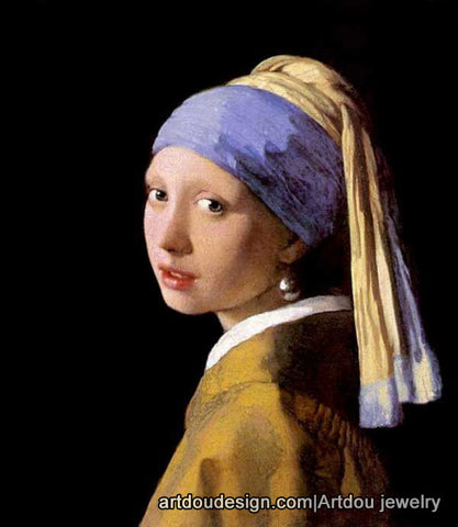 The girl with the pearl earring oil painting with pearl jewelry