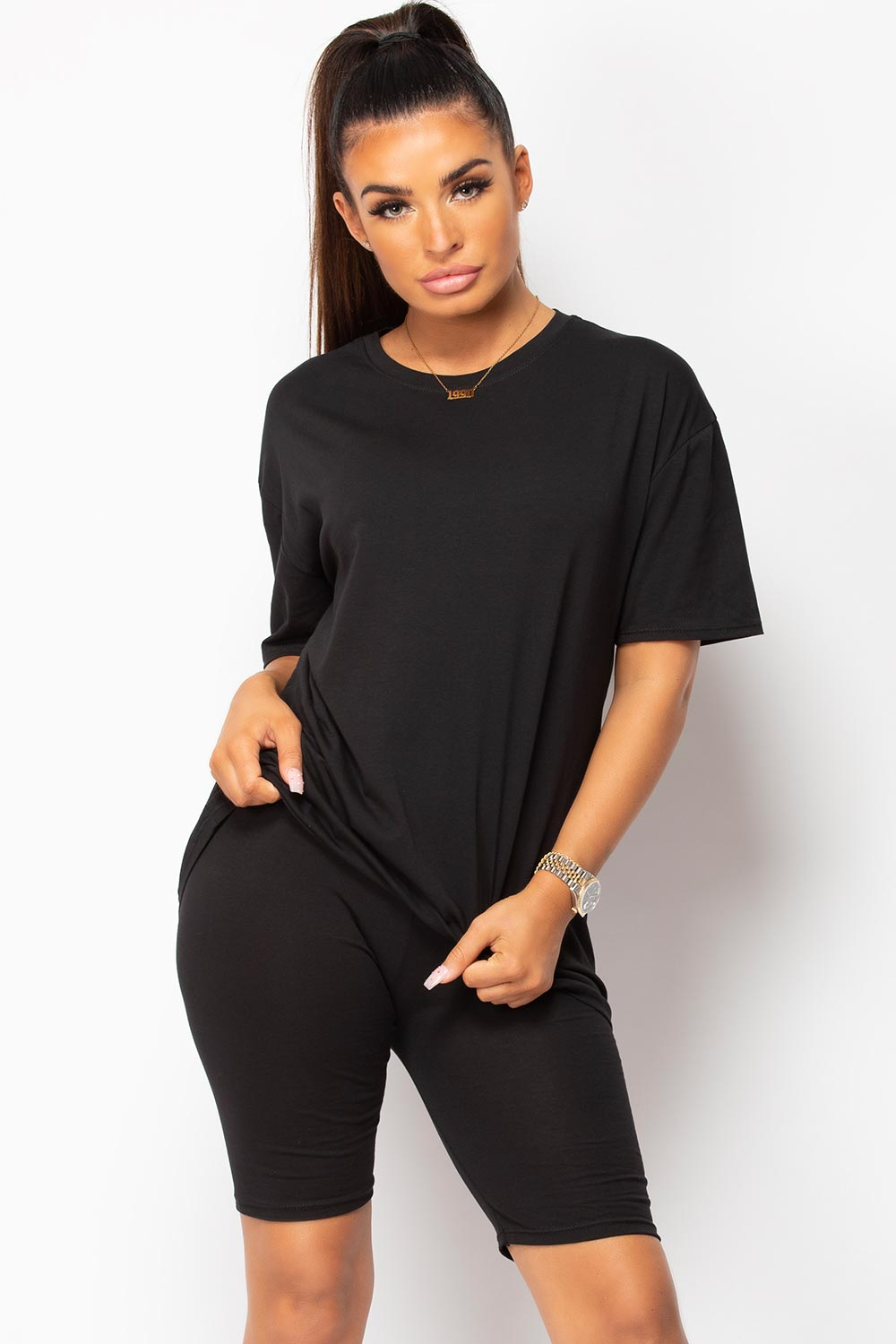 black oversized t shirt and cycling shorts set