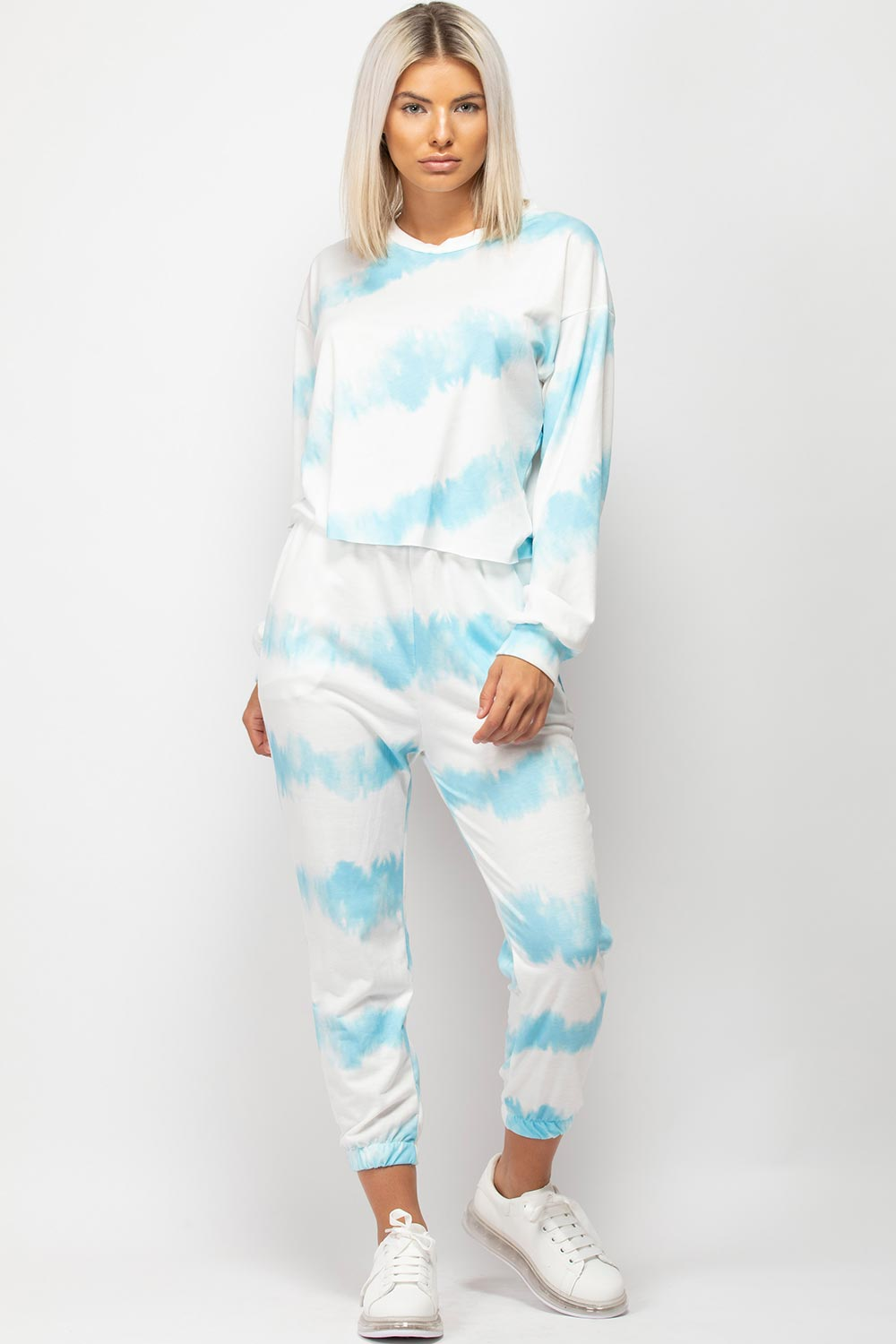 blue tie dye lounge set womens