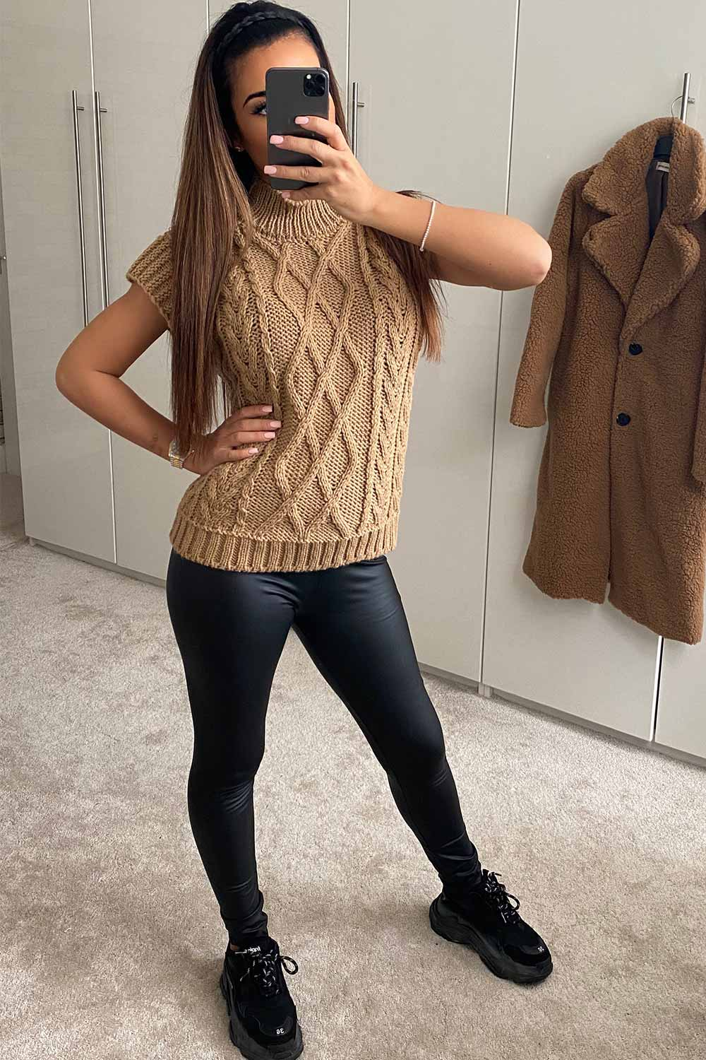 cable knit sleeveless jumper camel