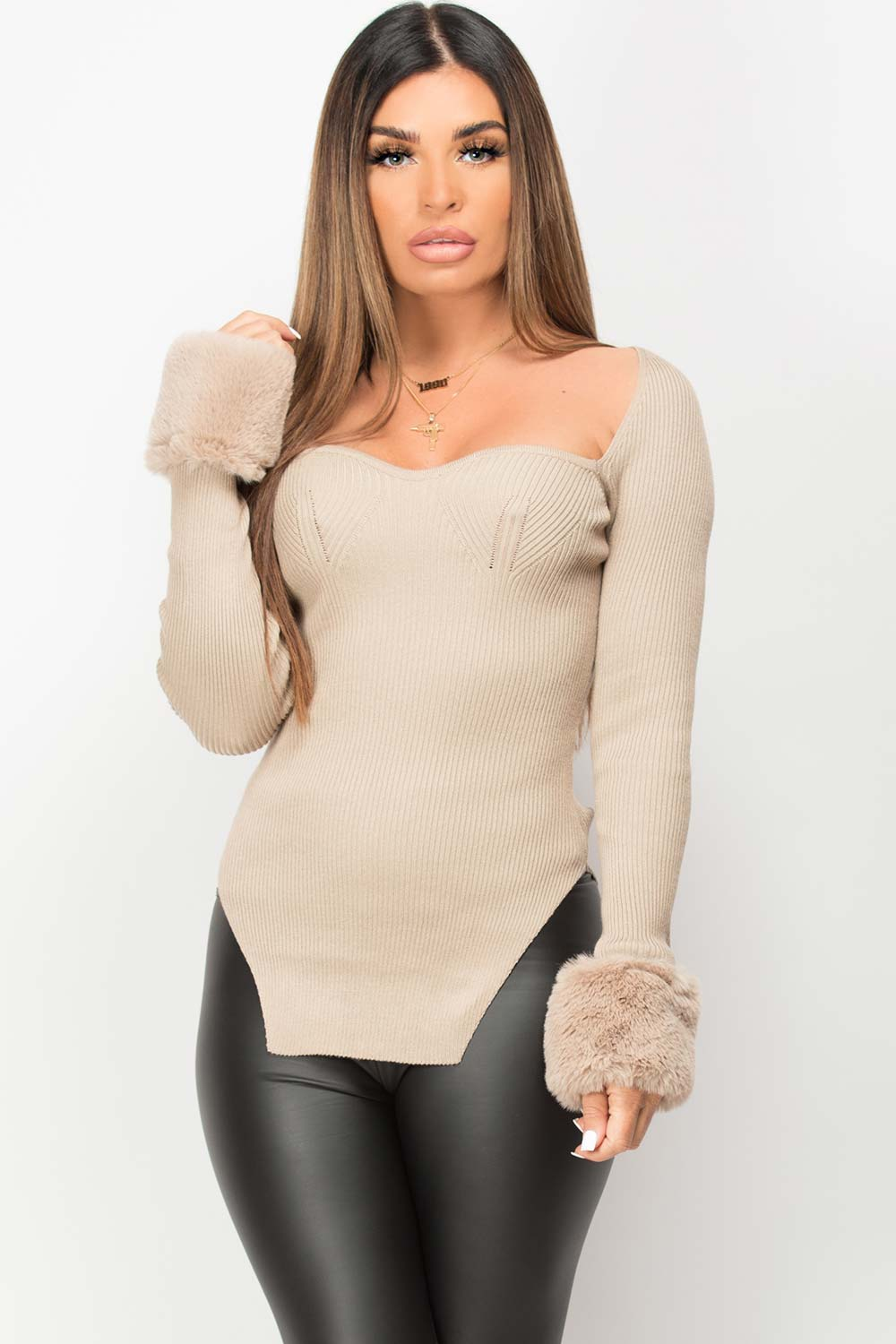 faux fur cuff sleeve knitted jumper
