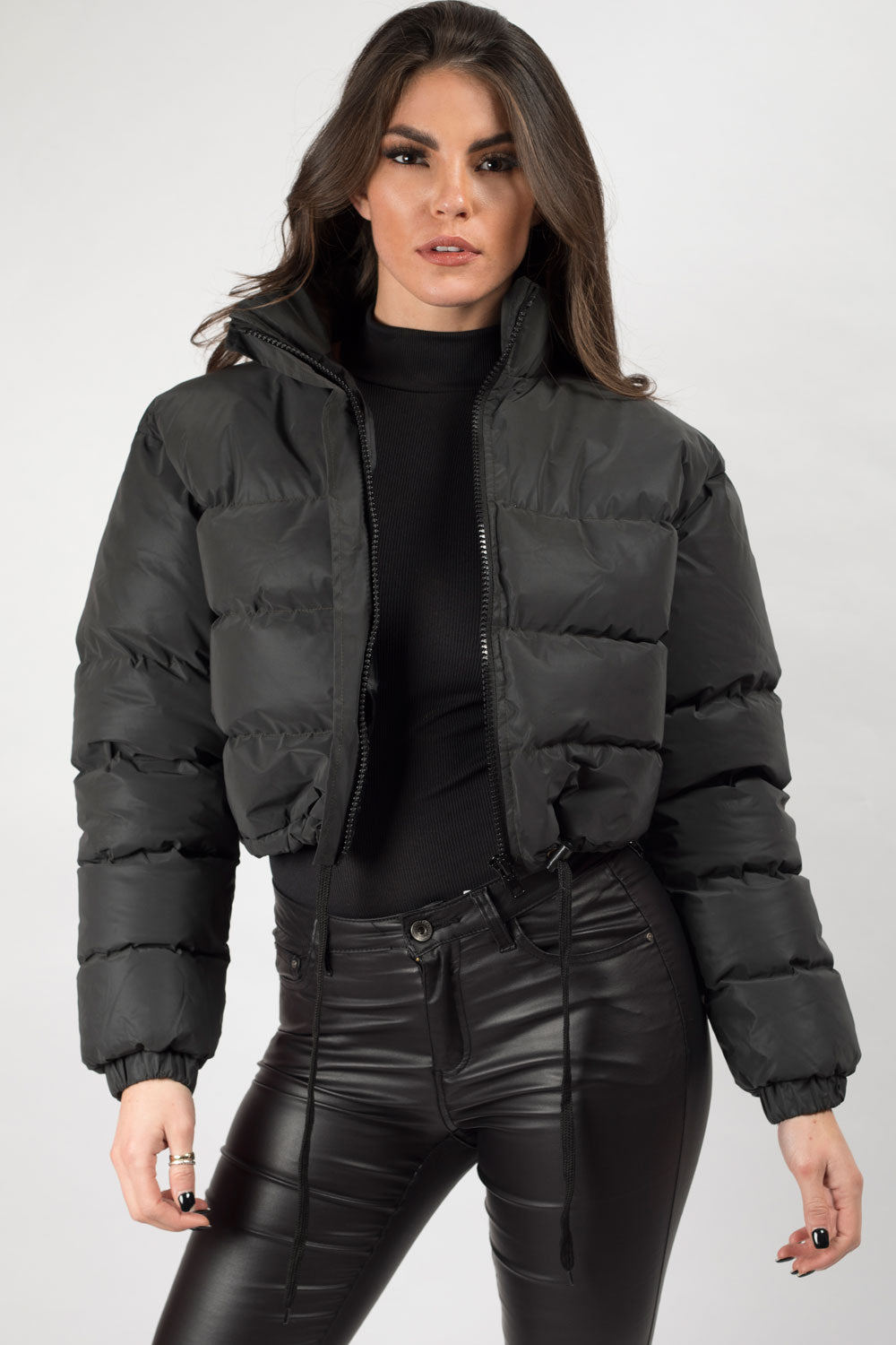 reflective cropped puffer jacket black