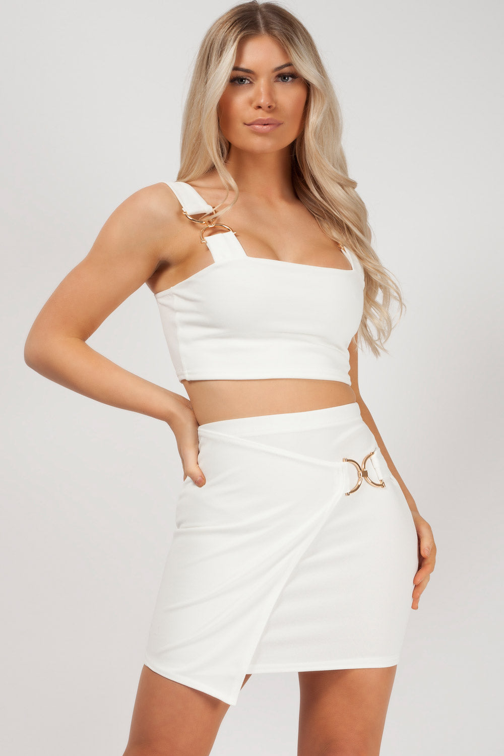 skirt and top white