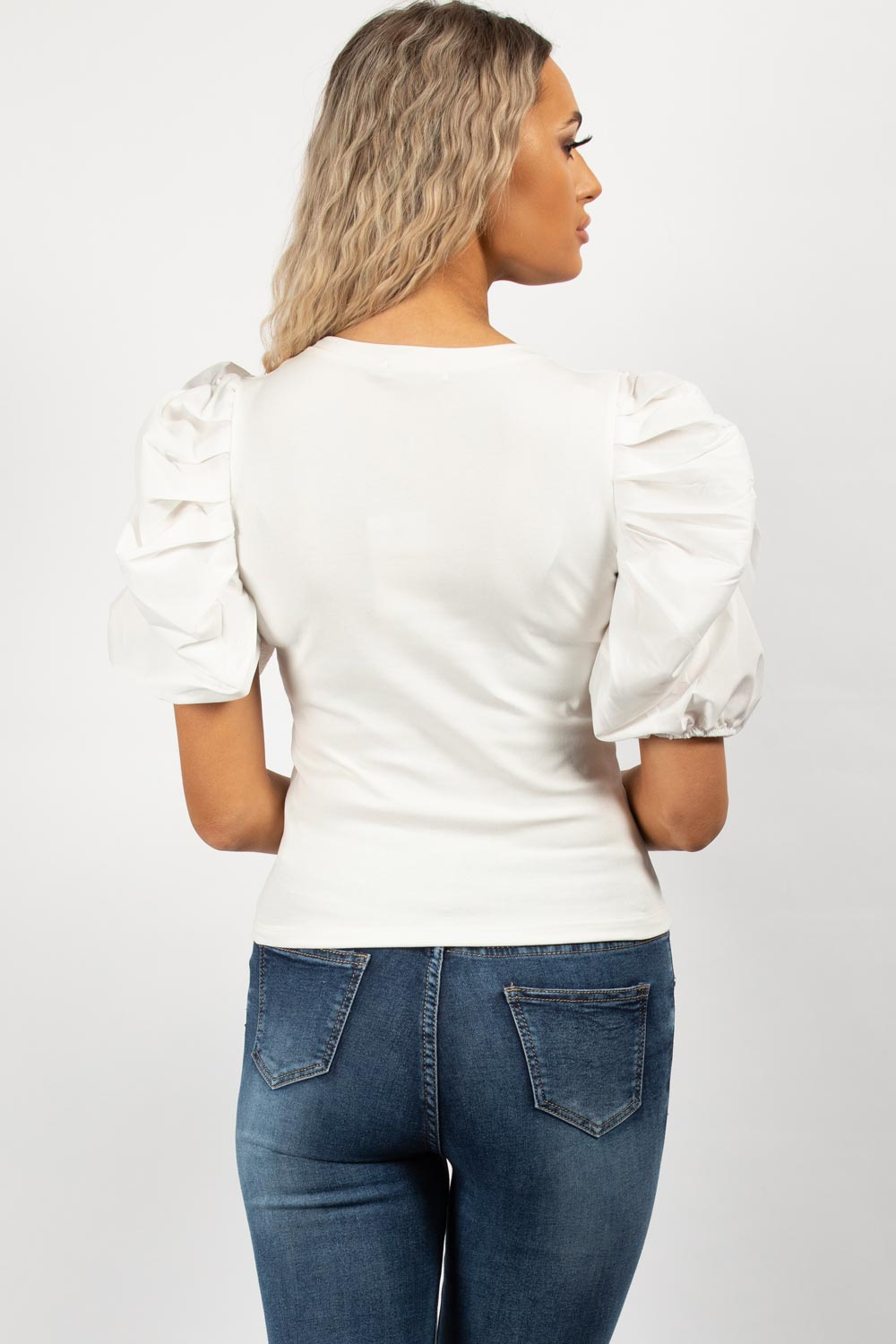 womens white t shirt