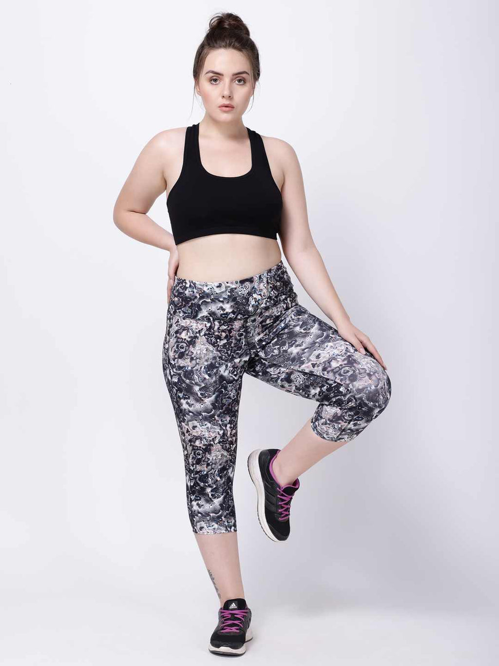 Black Cosmic Print Fashion Capri