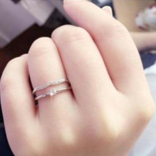 promise rings for her - rose gold simple minimalist cubic zirconia diamonds ring