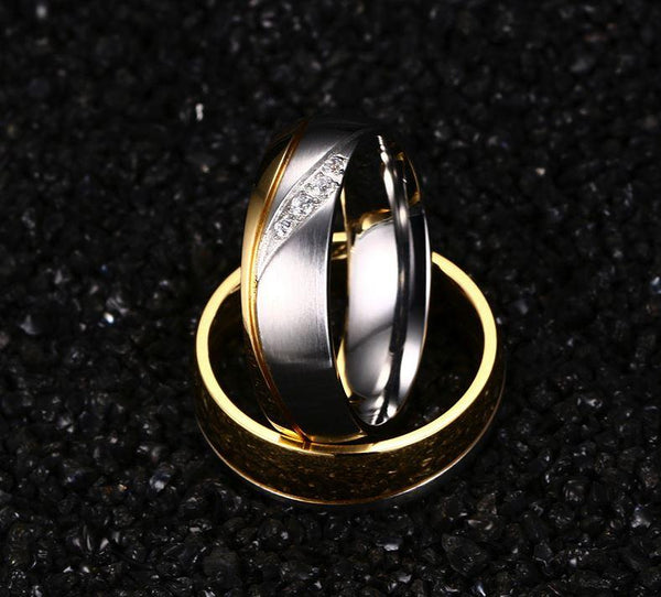 Couples rings - gold and silver matching couple ring set