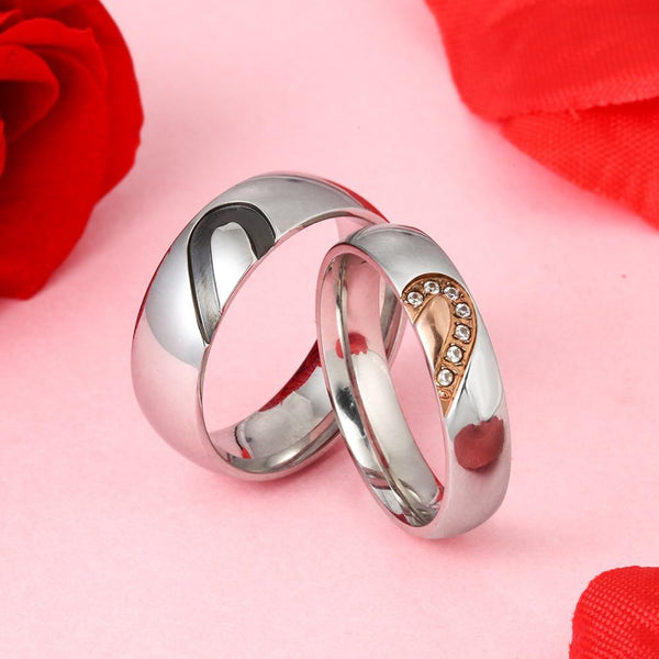 Personalized heart matching couple rings set