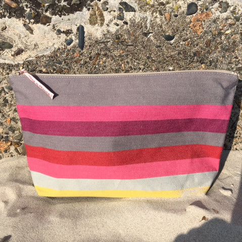 Canvas Wash Bag - Larrau