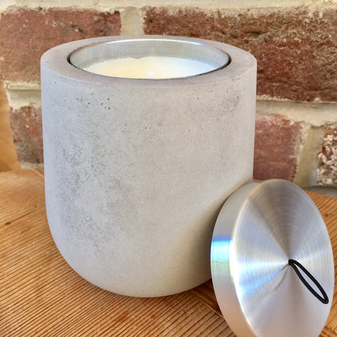 Candle with Concrete Dolman and Gift Bag - Anis Etoile (Star Anise)