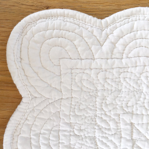 Quilted Scalloped Place Mat - White