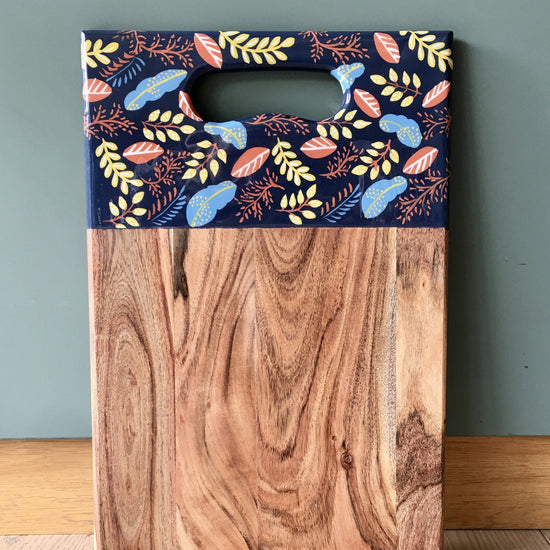 Chopping Board with Enamel Detail - Oak, Large