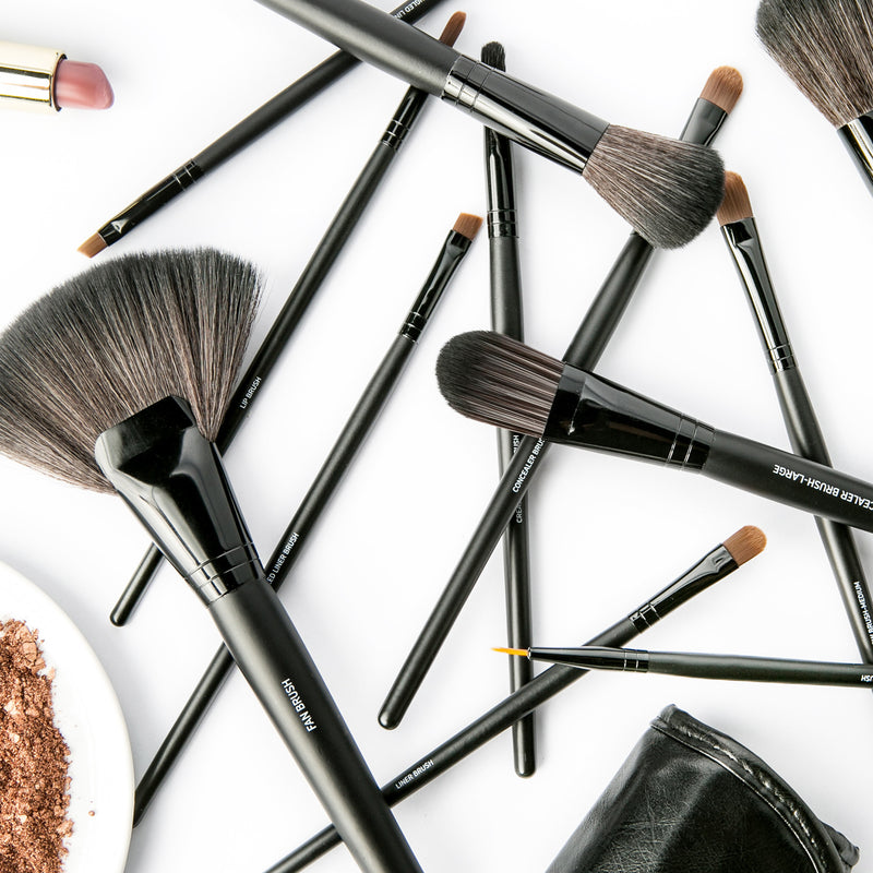 All Dolled Up | Professional Makeup Brush Set.