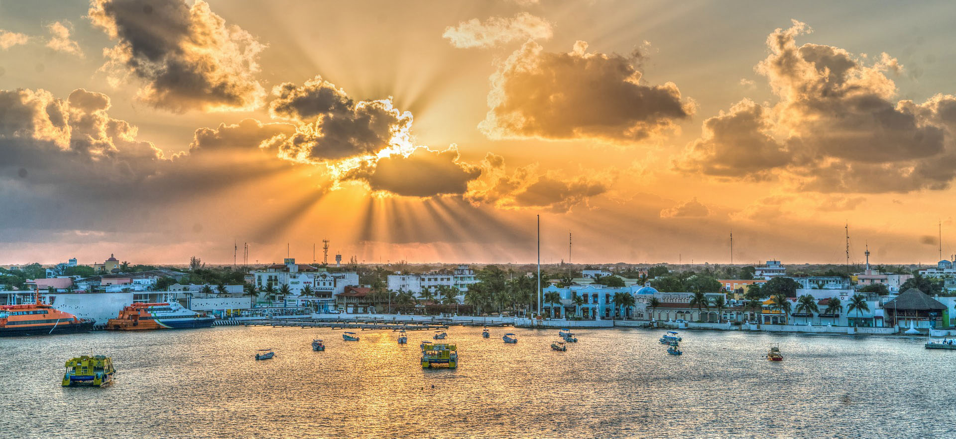 Sunrise over Cozumel, Mexico. Photographer Maria Michelle